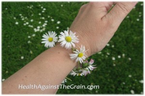 Knotted Daisy Bracelet